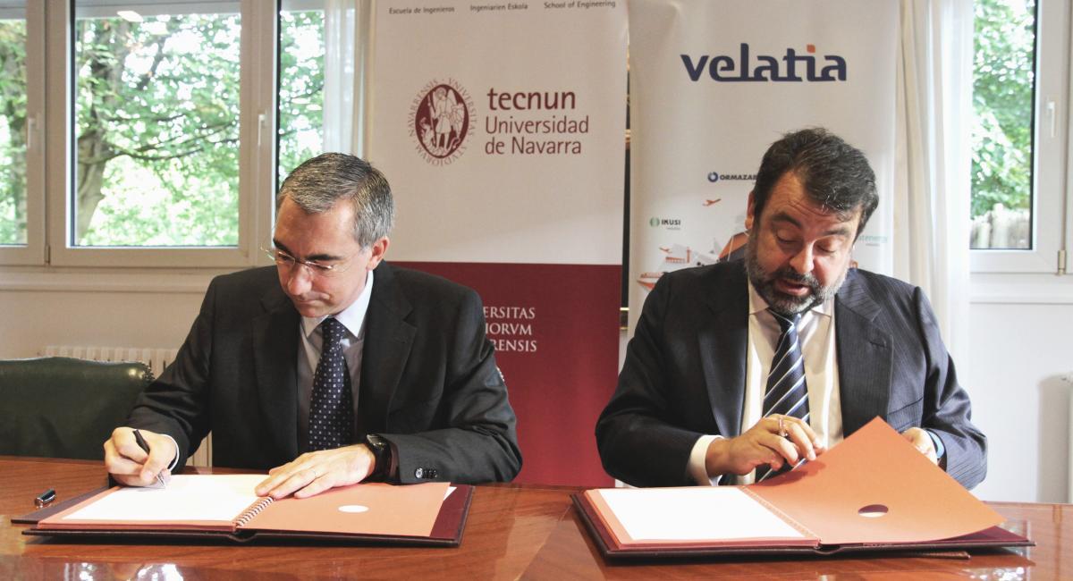 Velatia y Tecnun ponen en marcha un  plan para reforzar la  formación dual de los  ingenieros